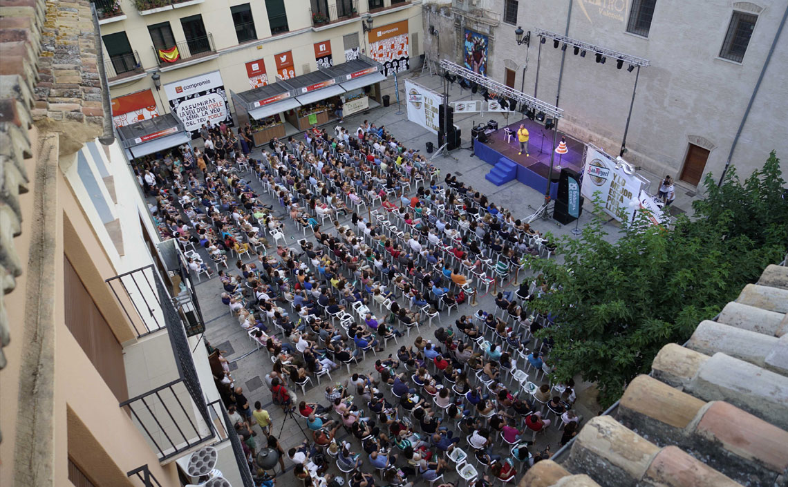 Gracias por celebrar con nosotros 15 años haciendo humor con Circuito Café Teatro Valencia