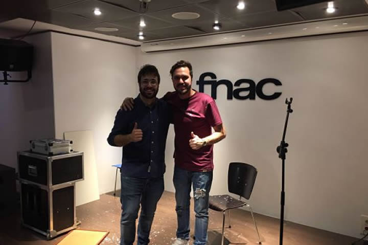 Dosis de humor y magia en Fnac: Pere Rafart y Raúl Fervé